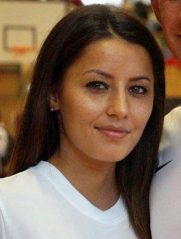 Porträtbild Sümeyye Manz