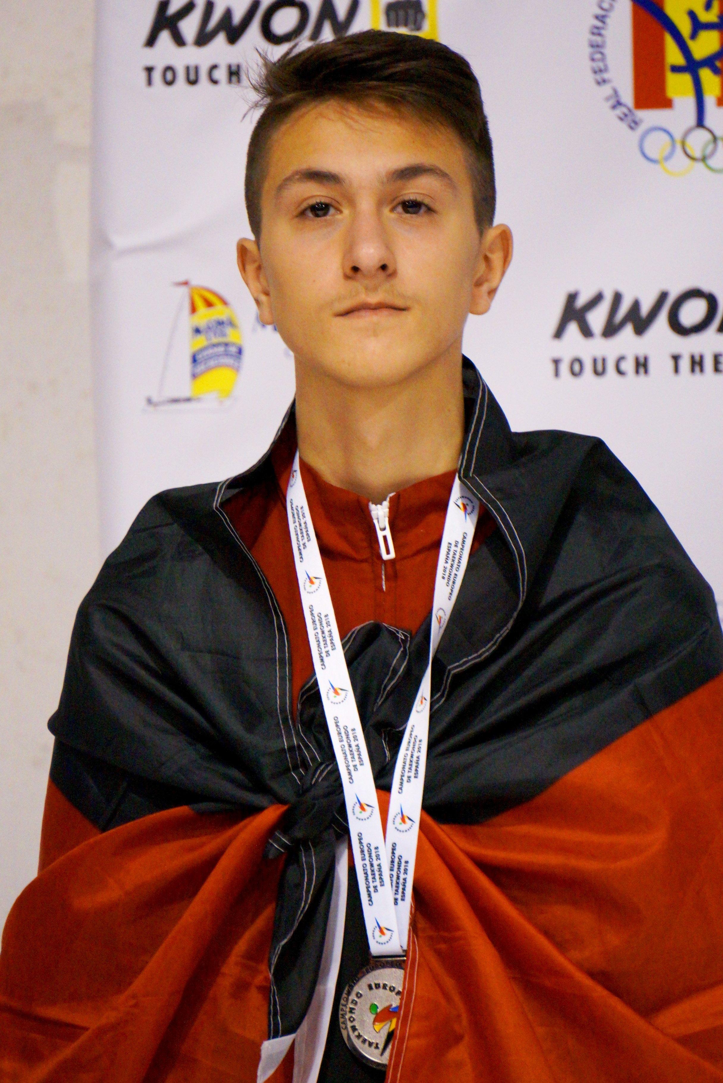 Emre Tepe mit seiner Silber-Medaille bei der U15-EM 2018