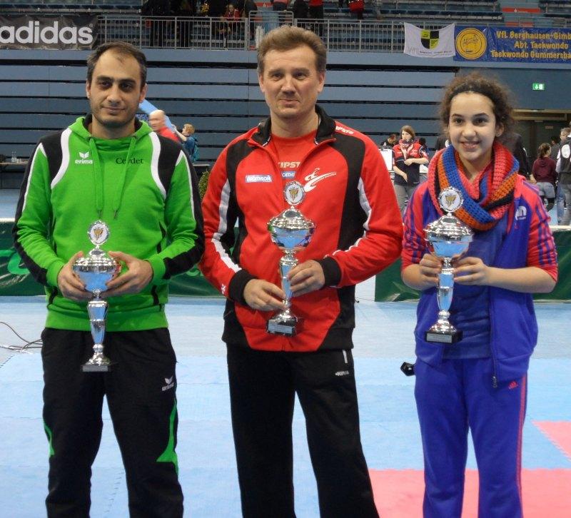 Deutsche Meisterschaft der Kadetten 2014 in Gummersbach - Siegerehrung für die Mannschaftswertung