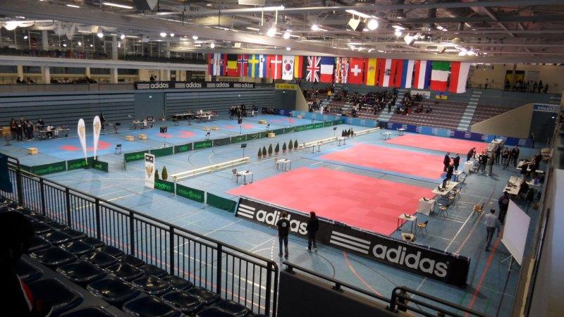 Deutsche Meisterschaft der Senioren 2014 in Gummersbach - Der Innenraum der Wettkampfhalle