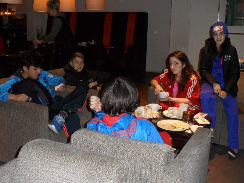 Dutch Open 2014 in Eindhoven - Malik Gülec, Kevin Rasch, Benjamin Metzger, Amina Felix und Melanie Felix in der Hotel-Lobby