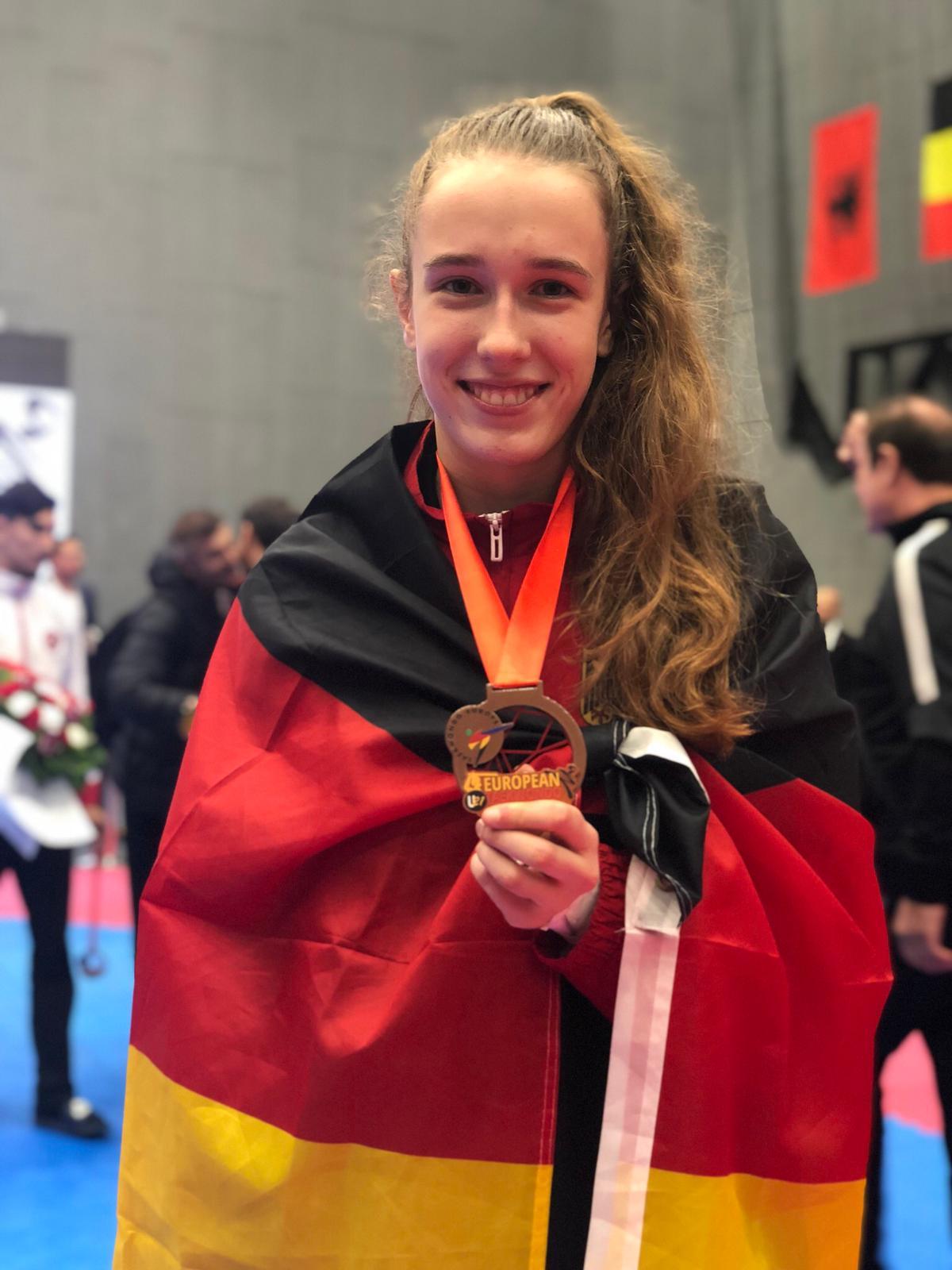 Alema Hadzic mit ihrer Bronzemedaille bei der U21-EM 2018