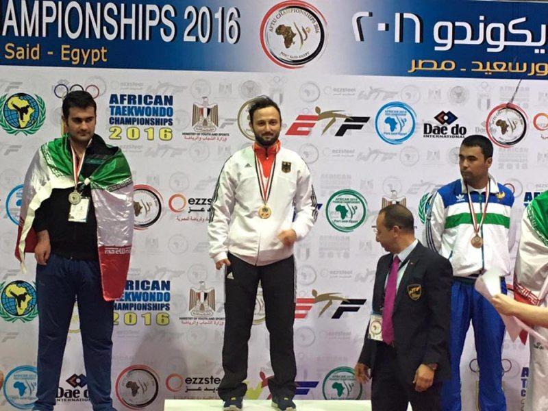 Europameisterschaft 2016 Montreux - Hasim Celik bei der Siegerehrung der Afrikanischen Para-Taekwondo-Meisterschaft