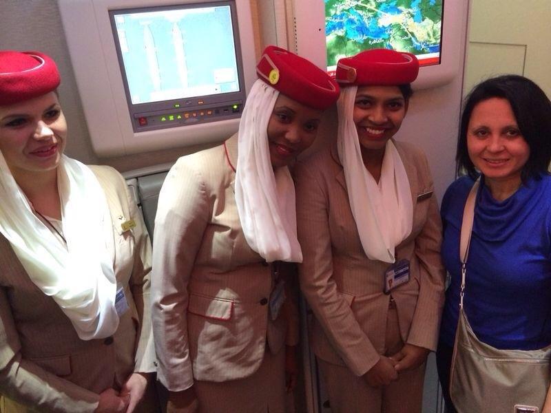 Fujairah Open 2014 in Fudschaira - Hayat Gülec mit Emirates-Flugbegleiterinnnen