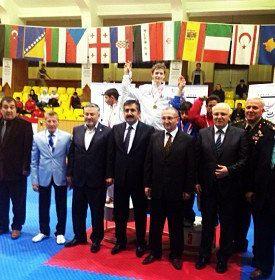 Internationales Kinderturnier Konya 2013 - Yannik Grebe bei der Siegerehrung
