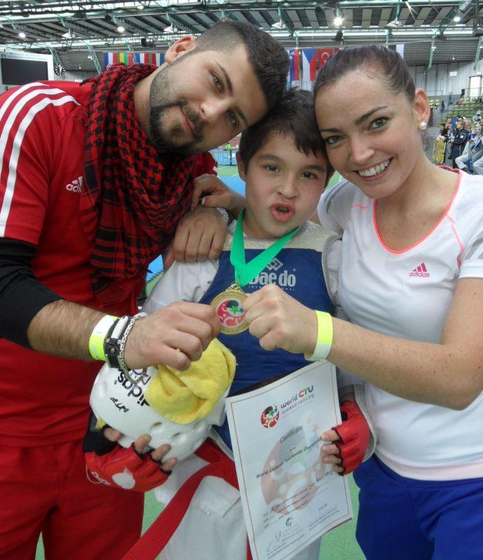 Internationales Kinderturnier Sindelfingen 2013 - Ahmet Kazmacan mit Coach Vera Komrsova und Serhad Sayin