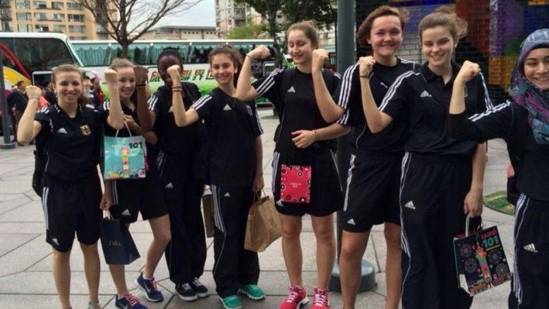 Jugend-(U18)-Weltmeisterschaft 2014 in Taipeh - Nicole Ohlmann, Giuliana Federici, Rhonda Nat, Ela Aydin, Ekaterina Derev, Leonie Martin, Pia Leonhardt und Merve Talan