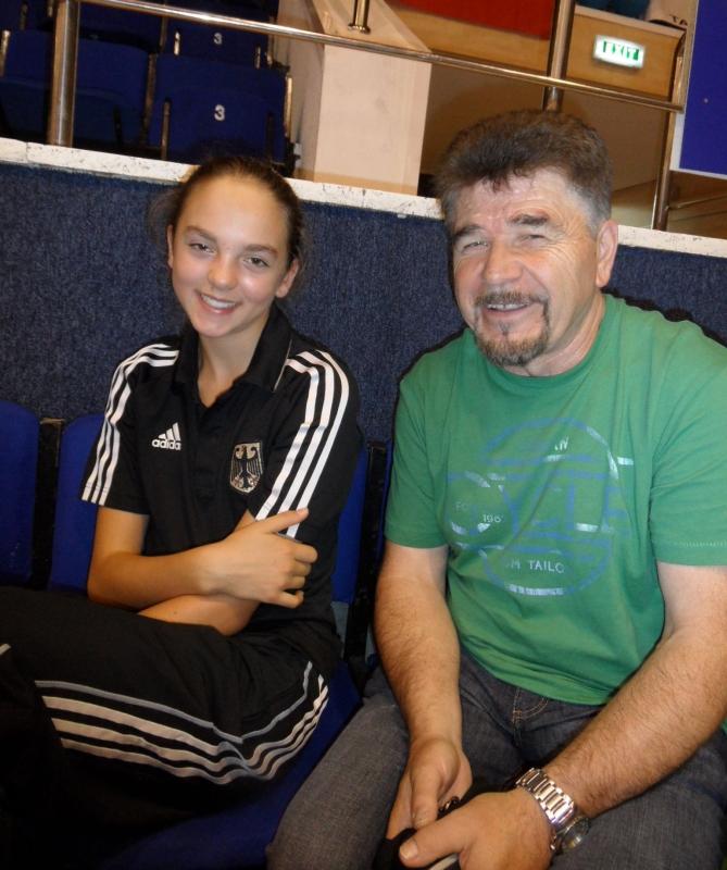 Kadetten-(U15)-Europameisterschaft 2013 Bukarest - Isabel Beckstein mit ihrem Vereinstrainer Horst Scholz