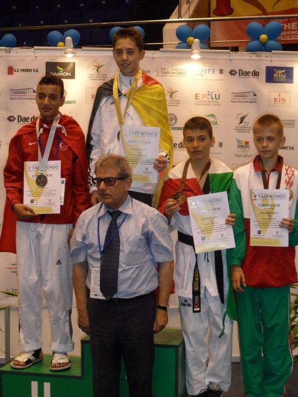 Kadetten-(U15)-Europameisterschaft 2013 in Bukarest - Frank Rüppel bei der Siegerehrung