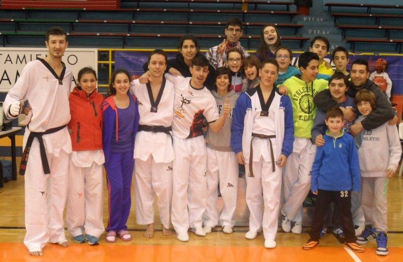 "Vereinsmitglieder des ""Club Zamorano de Taekwondo"""