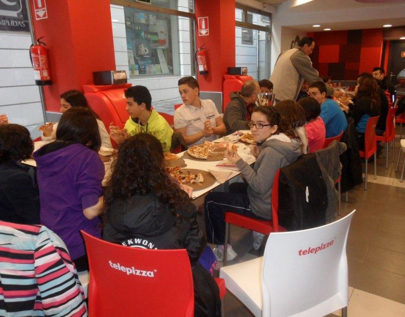 """Club Zamorano de Taekwondo"" beim gemeinsamen Essen nach dem Turnier"