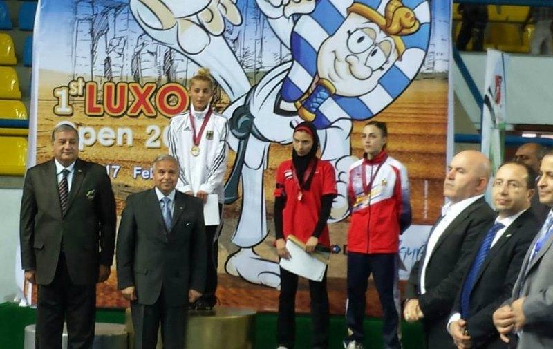 Luxor Open 2014 in Luxor - Sümeyye Manz bei der Siegerehrung mit Aya Ali Roubi und Paula Benes