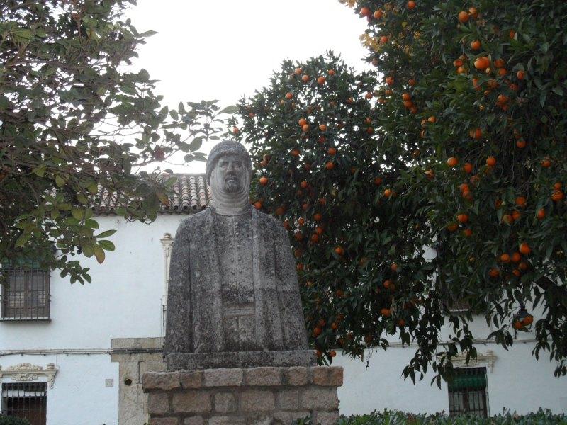 Statue des zweiten Kalifen von Córdoba al-Hakam II.