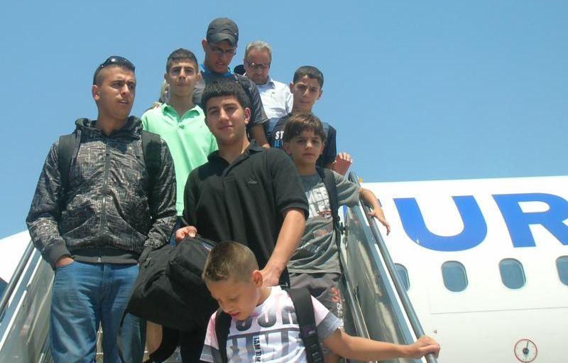 Team des Arab Sport Center aus Ostjerusalem nach der Landung