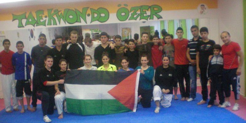 Team des Arab Sport Center aus Ostjerusalem bei TKD Özer