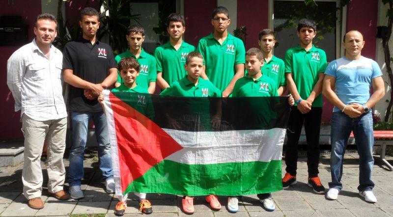 Palästinensische Gäste aus Ostjerusalem bei TKD Özer mit Mustafa Atalar