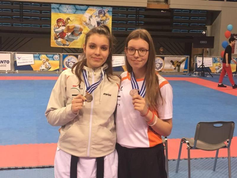 Presidents Cup 2017 in Athen - Darija und Esmeralda Husovic mit ihren Medaillen