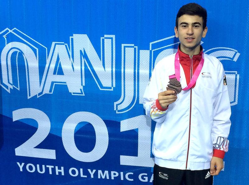 Qualifikationsturnier für die Olympischen Jugend-Spiele 2014 Taipeh - Daniel Chiovetta mit seiner Bronze-Medaille bei den Olympischen Jugendspielen