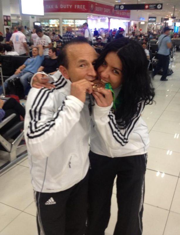 Rabia und Özer Gülec mir Rabias WM-Bronzemedaille