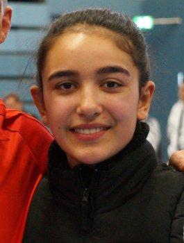 Porträtbild Selina Öztürk