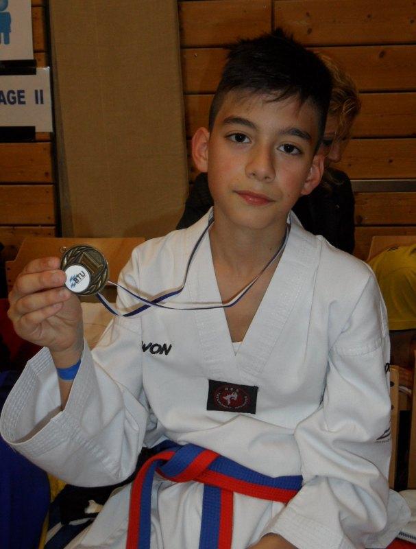 1. Bayernpokal 2014 in Roth - Kubilay Yilmaz mit seiner Goldmedaille