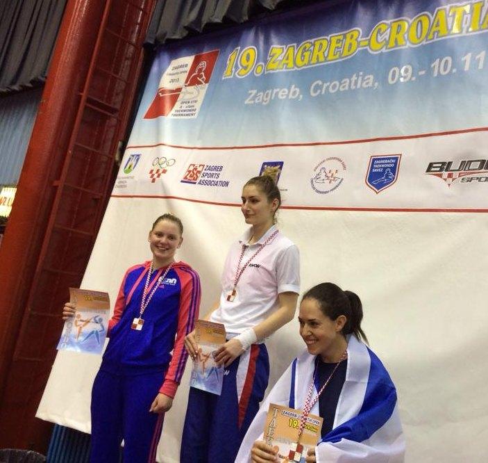 Croatia Open 2013 in Zagreb - Anna-Lena Frömming bei ihrer Siegerehrung