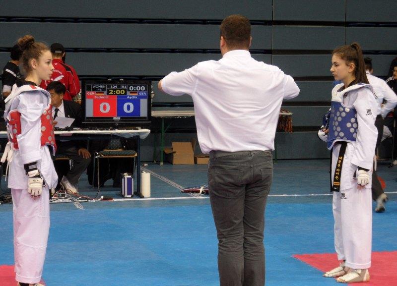 Deutsche Meisterschaft der Senioren 2014 in Gummersbach - Der Wettkampf von Giuliana Federici gegen Ela Aydin