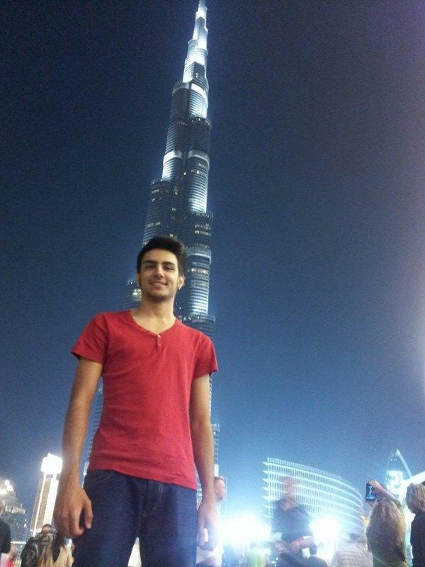 Fujairah Open 2014 in Fudschaira - Enes Acikel vor dem Burj Khalifa