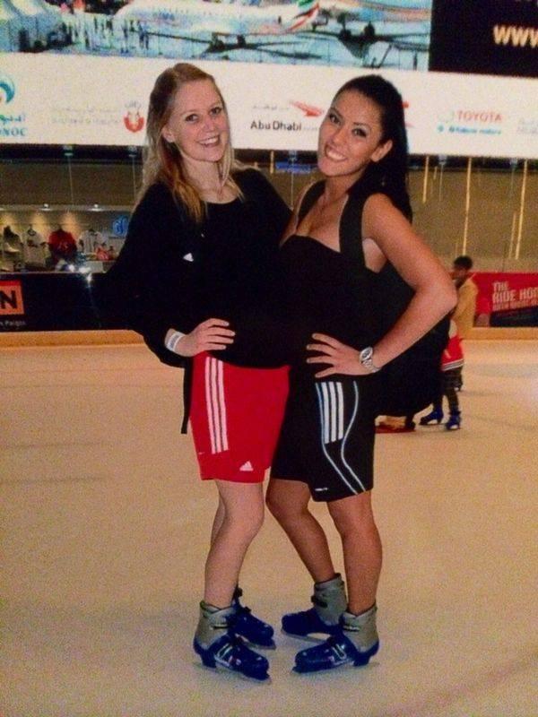 Fujairah Open 2014 in Fudschaira - Anna-Lena Frömming und Rabia Gülec beim Eislaufen