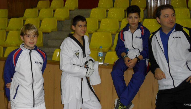 Internationales Kinderturnier Konya 2012 - Kevin Rasch, Mehmet Akif Yorulmaz und Yunus Emre Koca mit Nurettin Yilmaz