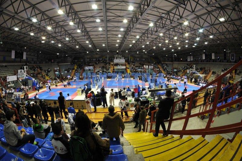 """Italienische Meisterschaft der Kadetten 2014 Neapel - Halle """"PalaBarbuto"""""""