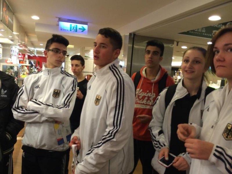 Jugend-(U18)-Weltmeisterschaft 2014 in Taipeh - Iordanis Konstantinidis, Vasileios Katsaros, Emre Aksu, Hamza Adnan Karim, Ekaterina Derev und Leonie Martin