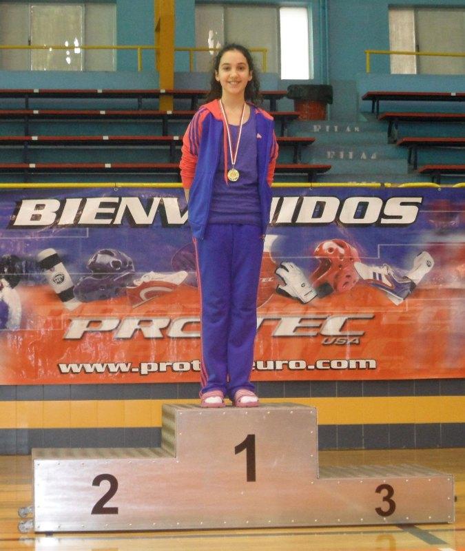 Chamutal Castaño bei der Siegerehrung