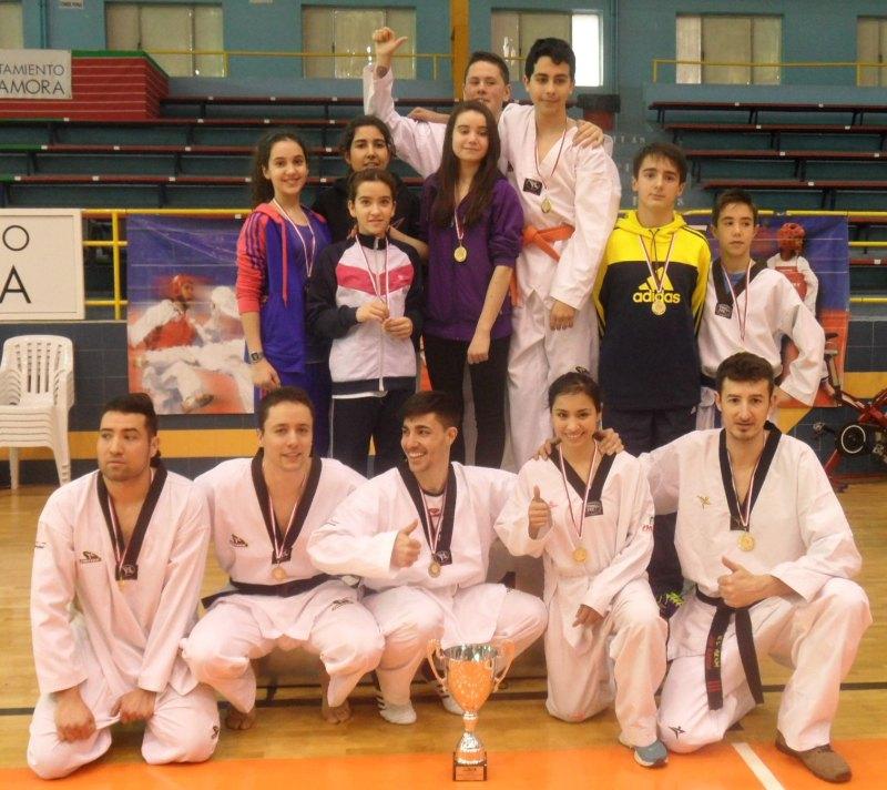 "Medaillengewinner des ""Club Zamorano de Taekwondo"""