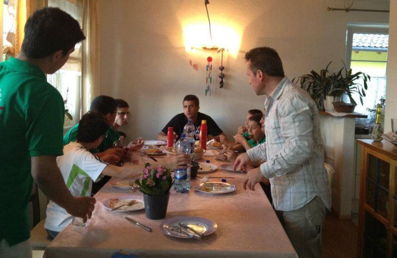 Palästinensische Gäste aus Ostjerusalem bei Mustafa Atalar