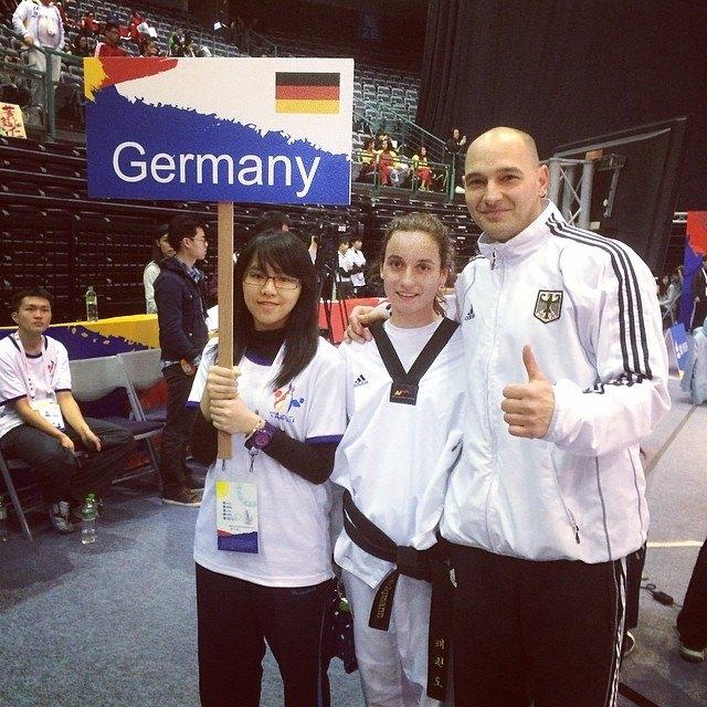 Qualifikationsturnier für die Olympischen Jugend-Spiele 2014 in Taipeh - Madeline Folgmann mit Jugend-Bundestrainer Marco Scheiterbauer