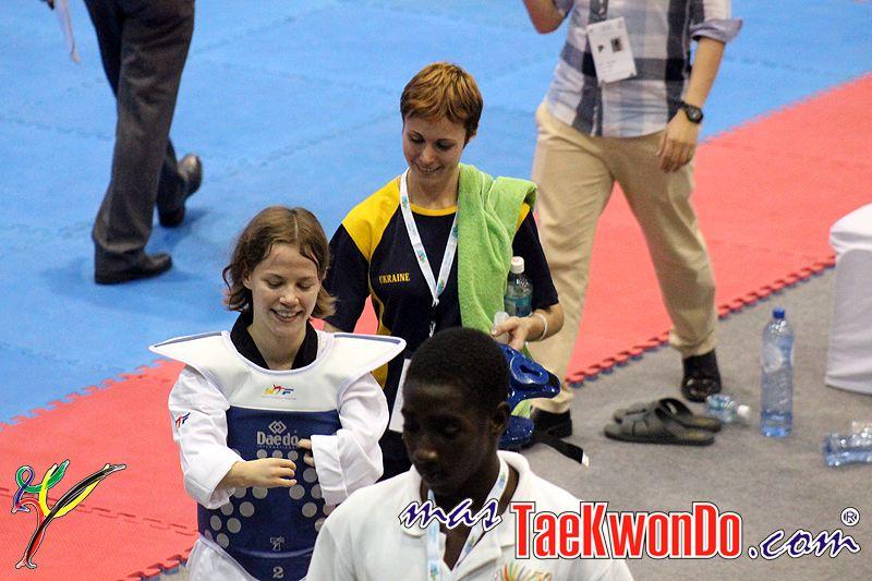 TKD Özer erfüllt ukrainischer Sportlerin den Traum von der Teilnahme an der Behinderten-WM - Viktoriia Marchuk mit ihrer Trainerin Yuliya Volkova nach einem ihrer Wettkämpfe bei der Behinderten-WM