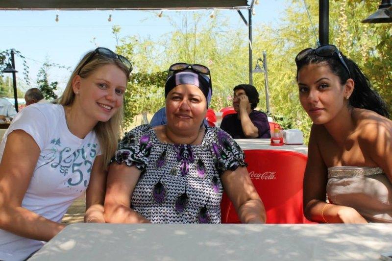 Vereinswechsel - Willkommen bei TKD Özer, Anna-Lena Frömming! - Anna-Lena Frömming mit Rabia Gülec und ihrer Mutter Figen