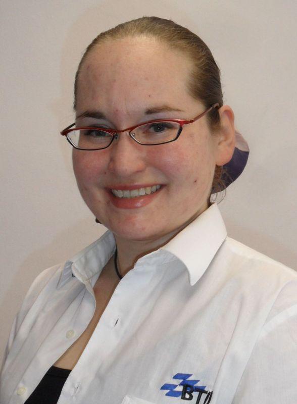 Porträtbild Sigrun Hagenau